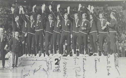 Yugoslavia_National_Basketball_Team_on_Olympic_games_in_Mexico_1968